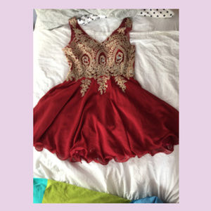 XL Short Red Prom Dress with Gold Bodice